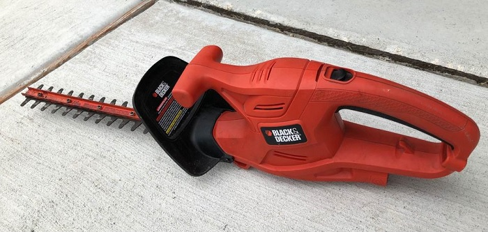 BLACK+DECKER LHT2220B  Hedge Trimmer