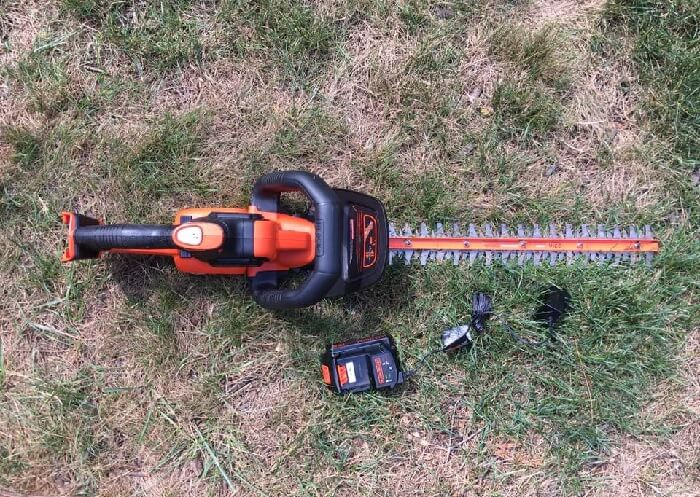 BLACK DECKER LHT321FF Hedge Trimmer