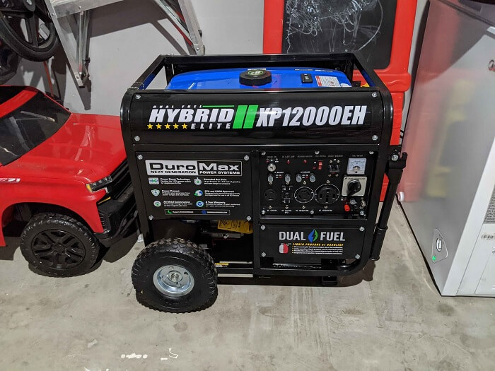 DuroMax XP12000EH Dual Fuel Electric Start Portable Generator,
