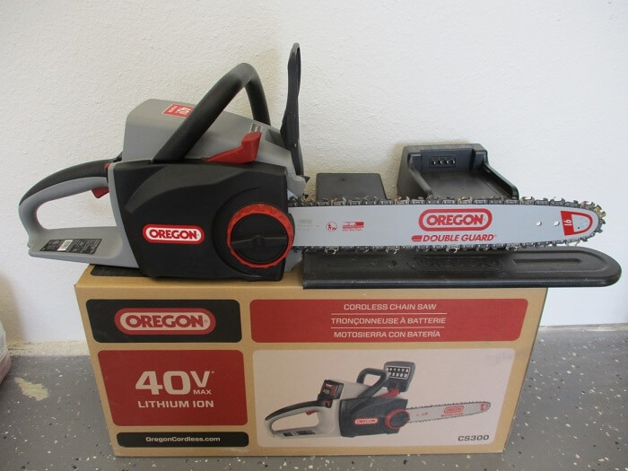 Oregon CS300 Chain Saw